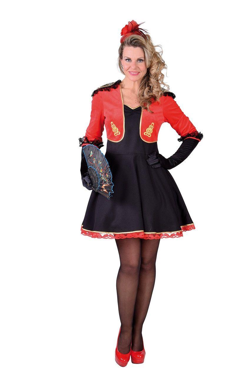 Trotse Traditionele Spaanse Paseo Vrouw Kostuum